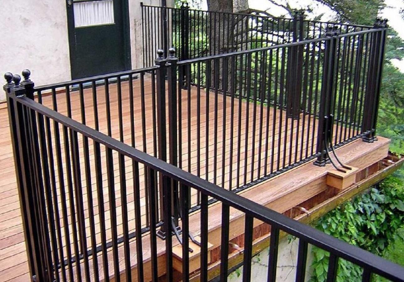 Model Pagar Minimalis Balkon