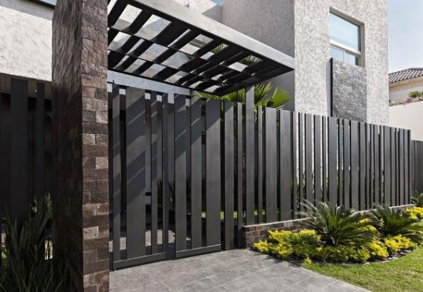 85 Model Pagar Rumah Minimalis Besi Dan Kayu Modern