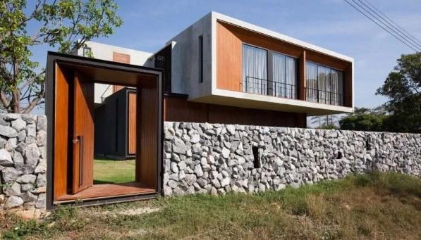 Pagar Minimalis Modern dengan Batu Alam