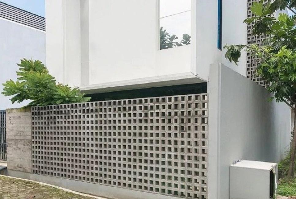 Pagar Minimalis Modern dengan Kreasi Roster