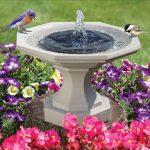 Dekorasi Taman Berupa Bird Bath