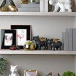 Dekorasi rumah minimalis dengan pajangan mini sebagai pengganti lukisan