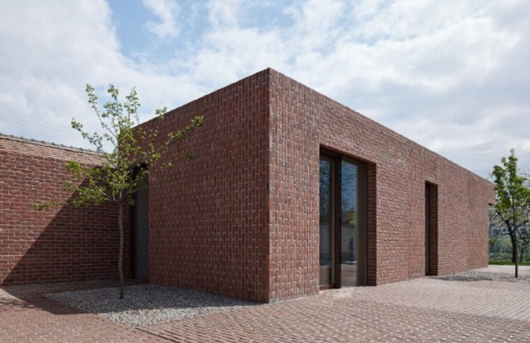 Desain Rumah Minimalis Sederhana dengan Material Batu Bata