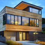 Desain Rumah Sederhana 3 Lantai dengan Dinding Kayu