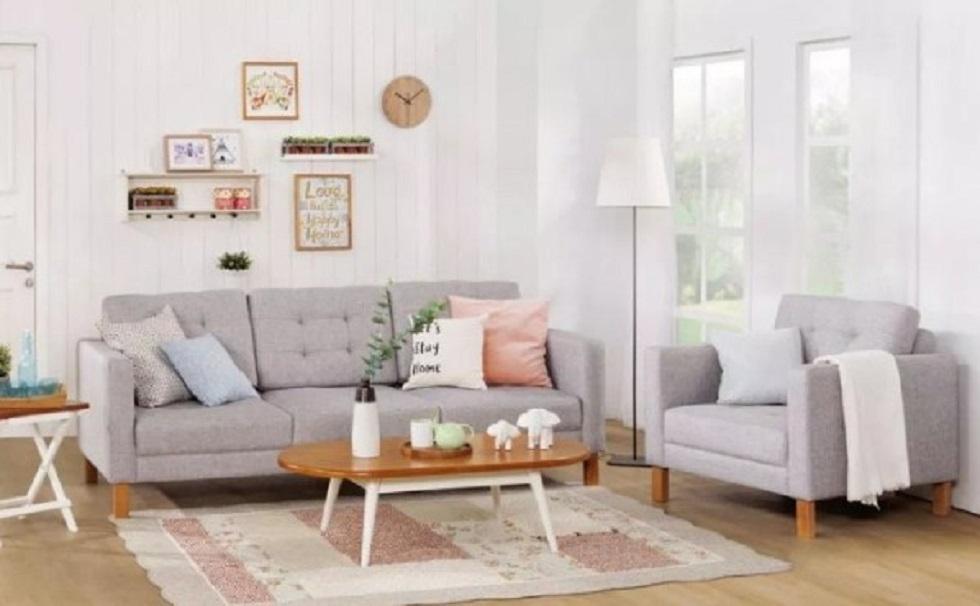 Susun furniture secara simetris sebagai bentuk dekorasi rumah
