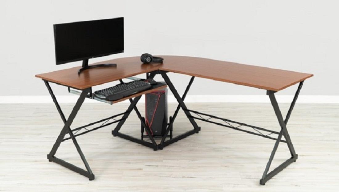 Meja Gaming Kombinasi Warna Hitam dan Kayu
