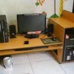 Meja Komputer Gaming Lesehan Bahan Kayu
