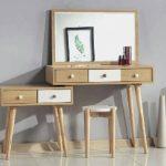 Meja Rias Jati Minimalis Modern Dengan Desain Yang Ramping