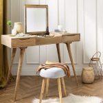 Meja Rias Jati dengan Kaki Meja Panjang