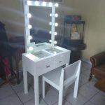 Meja Rias Model Vanity Mirror