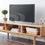 Meja TV Kayu Minimalis Dengan Kabinet Terbuka