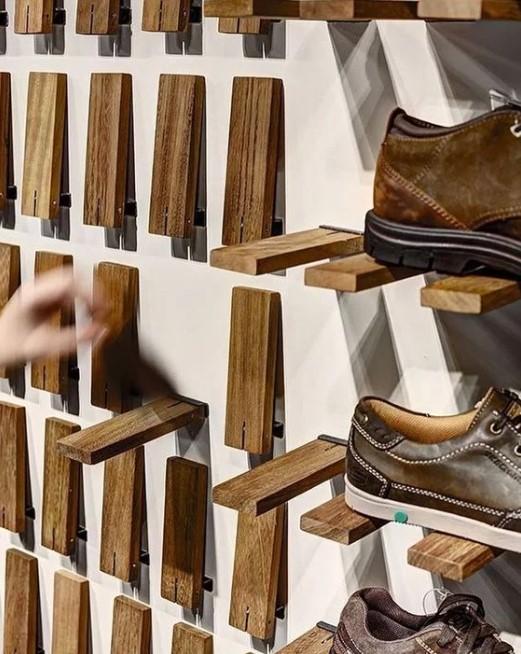 Model Rak Sepatu Toko