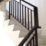 Railing tangga besi minimalis