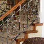 Railing tangga ulir minimalis