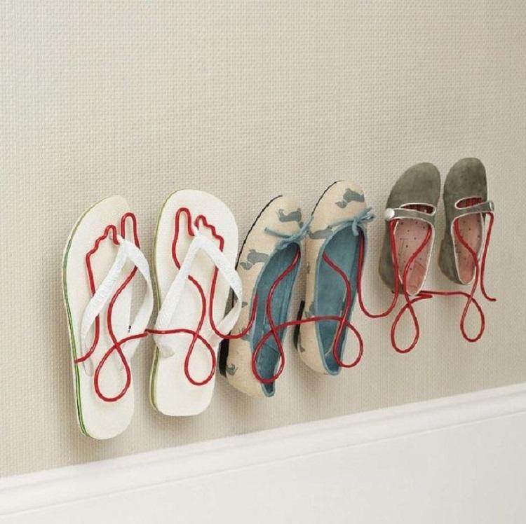 Rak Sepatu Besi