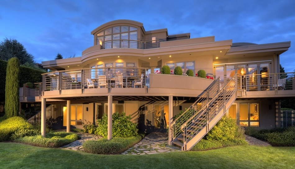 Rumah Mewah 3 Tingkat