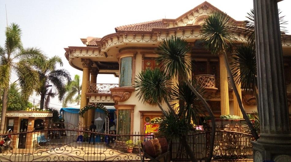 Rumah Mewah Ayu Ting Ting