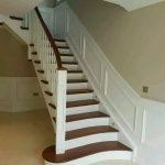 Tangga kayu, railing tangga lurus Dan melintir