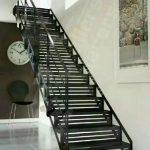 railing Tangga besi minimaliiis klasik