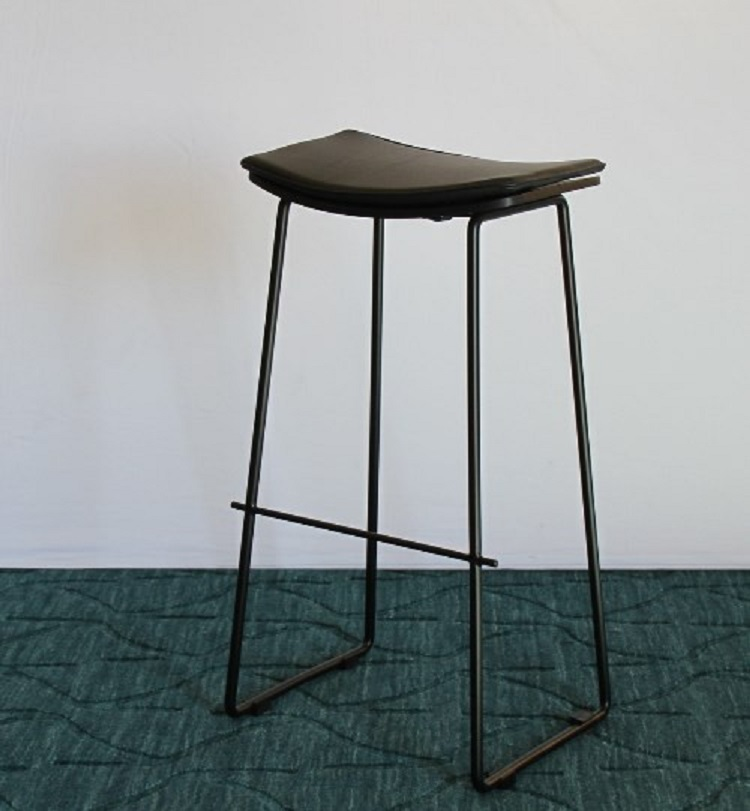 Kursi Lucia Bar Stool