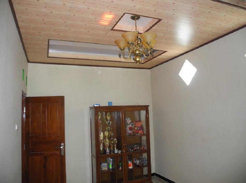 Plafon PVC ruang keluarga