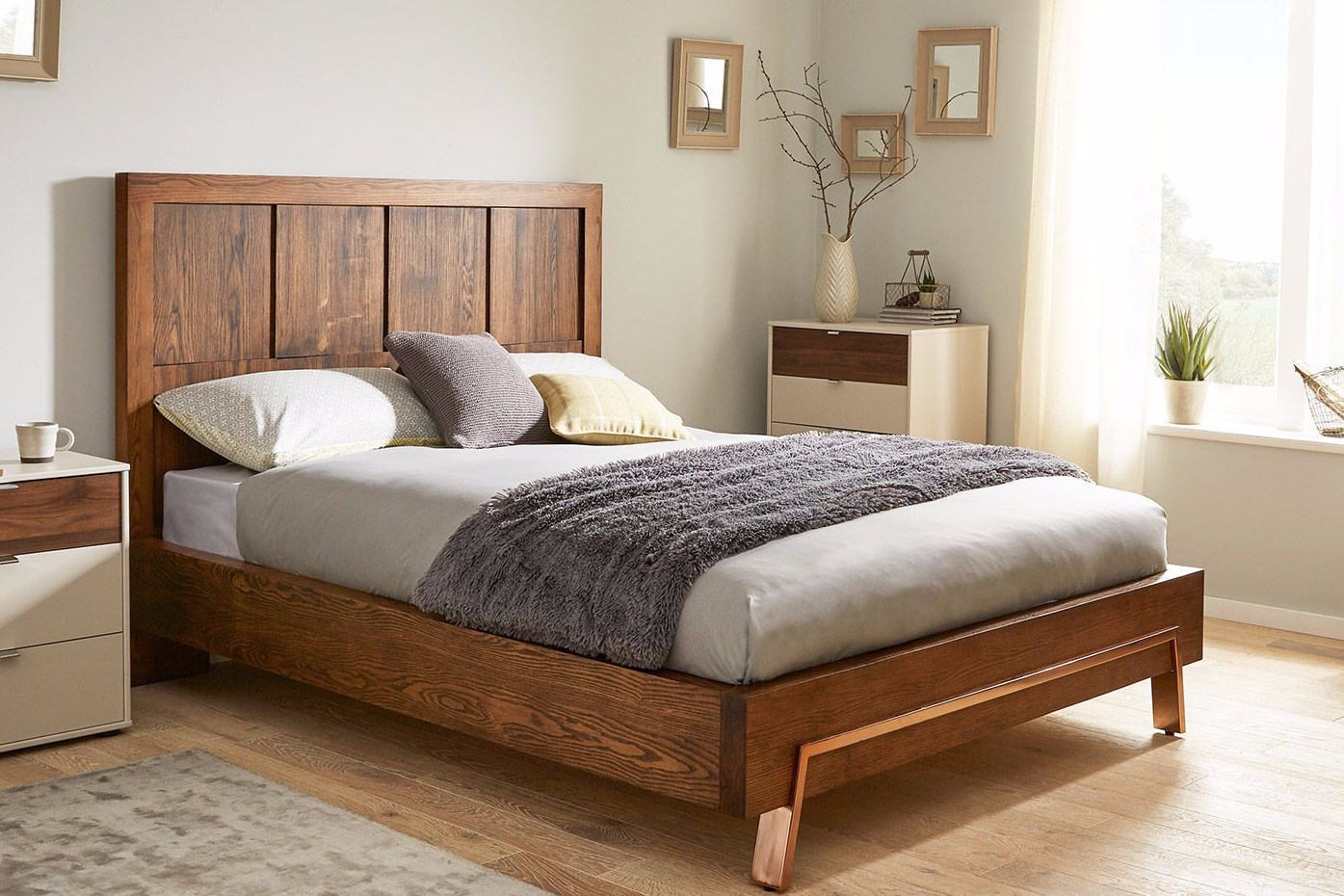 Model Tempat Tidur Kayu Jati