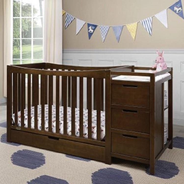 Tempat Tidur Bayi Dengan Laci