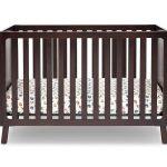 Tempat Tidur Bayi Kayu