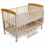 Tempat Tidur Bayi Tingkat