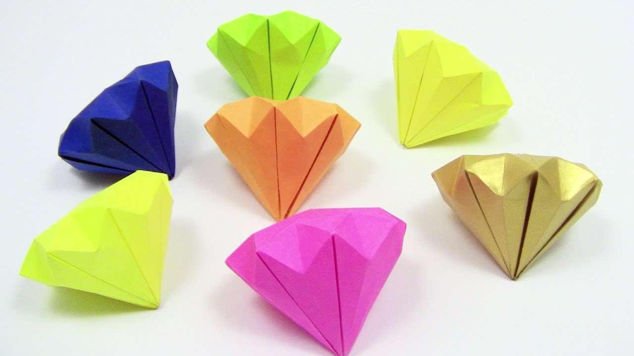 Hiasan Diamond dari Kertas Origami