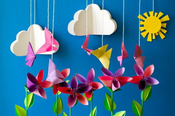 Hiasan Kelas dari Kertas Origami