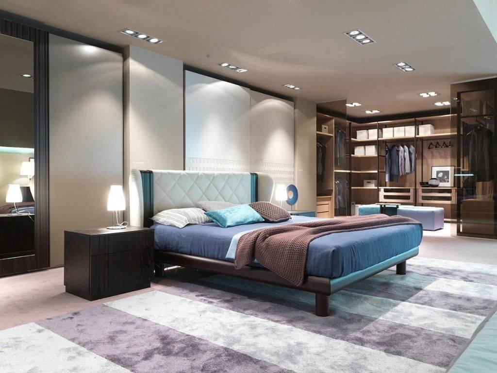 Kamar Tidur dengan Hiasan Penuh Cahaya